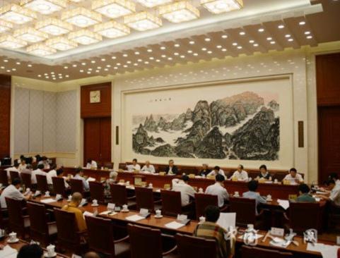 常委会第二十一次会议举行分组会