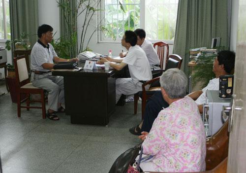 安徽蚌埠市人大邀请律师参与信访接待